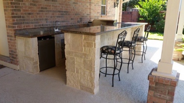 08 Outdoor Kitchens